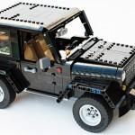 Xe Jeep Wrangler kích thước thật lắp ráp từ đồ chơi Lego