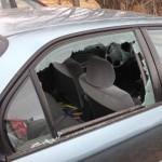 Đi ăn trộm trong xe không thèm lấy 1 triệu đô, chỉ lấy kính râm