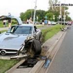Những vụ tai nạn với xe sang Mercedes trên đường