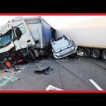 Video những vụ tai nạn xe hơi trên đường phố gây sốc nhất