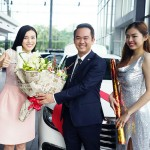 Diễn viên Cao Thái Hà mua xe sang Mercedes E200 2017