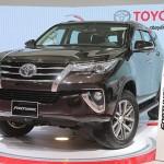Những đối thủ cạnh tranh chính của Toyota fortuner 2017