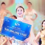 Hoa hậu Thu Ngân được chồng sắp cưới tặng xe Rolls-Royce 35 tỷ đồng