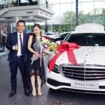 Ca sĩ Hương Tràm mua xe sang Mercedes E200 hoàn toàn mới