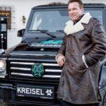 Ngôi sao Arnold Schwarzenegger mua Mercedes G class chạy điện