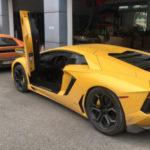 Cặp siêu xe Lamborghini từ Hà Nội vào Sài Gòn đón tết