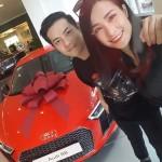 Ca sĩ Đông Nhi mua siêu xe Audi R8 2017 đắt nhất showbiz Việt