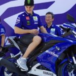 Xe mô tô thể thao Yamaha R15 v3.0 mới cho người trẻ