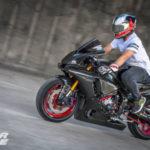 Siêu xe máy Yamaha R1 2015 độ toàn thân carbon