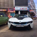 Siêu xe BMW i8 du xuân Bình Dương