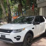 Cặp xe sang Land rover Discovery Sport HSE black edition về Hà Nội