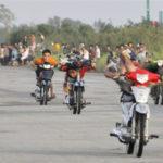 Nhóm tay đua trái phép bị cảnh sát vây bắt ở Hy Lạp