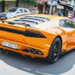 Cặp siêu xe Lamborghini Aventador và Huracan nẹt pô trên phố Sài Gòn