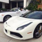 Tỷ phú mua Rolls royce, Ferrari cho người làm thuê đi