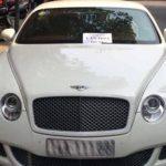 """Xe Bentley giá 10 tỷ đồng bị dán giấy """"không có văn hóa đỗ xe"""""""