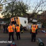 Em bé bị xe Buýt chèn chết khi đang đi vệ sinh ở lề đường
