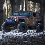 Xe Jeep Wrangler độ phong cách xe sắt vụn độc đáo bởi Vilner