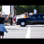 Choáng dàn xe hùng hậu hộ tống bảo vệ tổng thống Mỹ Trump