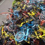 Xe máy phóng nhanh đâm người đi xe đạp do tầm nhìn khuất