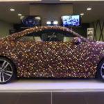 Siêu xe Audi TT Coupe dán 27.000 viên kẹo Chocolate