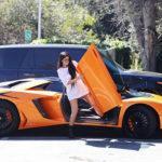 Người mẫu Kylie Jenner mua siêu xe Lamborghini Aventador SV Roadster