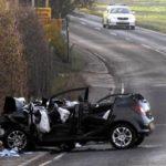 Người phụ nữ qua đường lúc đèn đỏ bị xe đâm chết