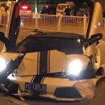 Lamborghini Murcielago mui trần tông 2 xe sang khác