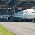 Porsche Cayenne kéo được máy bay Airbus A380 nặng 285 tấn