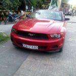 Xe Ford Mustang mui trần xuất hiện ở Huế gây xôn xao