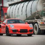 Cường đôla thích thú lái siêu xe Porsche 911 GT3 RS mới mua