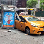 Xe Taxi tông xe SUV kinh hoàng