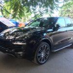 Hàng hiếm Porsche Cayenne Platinum Edition 2017 về Huế