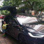 Ngắm SUV điện Tesla Model X 8 tỷ tăng tốc trên đường phố Hà Nội