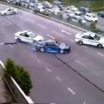 Màn Drift như trong phim của siêu xe vi phạm với 3 xe cảnh sát đuổi bắt