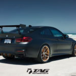 Siêu xe BMW M4 GTS phong cách xe đua