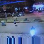 Video cô gái chạy qua đường bị mô tô tông văng xa nhiều mét