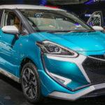 Bộ đôi xe giá rẻ Toyota Sienta Ezzy và Fortuner TRD 2017 ra mắt