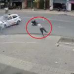 Xe ô tô và xe máy tông nhau ở ngã 3 người bay xa chục mét