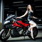 Hot girl Hà Nội Minh Thư khoe dáng cùng siêu xe BMW S1000RR