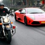 """Video siêu xe Lamborghini Murcielago chết máy và """"nạp"""" điện ở Hải Phòng"""