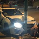 Mazda độ cửa kiểu Lamborghini đâm đầu vào cột đèn ở Hà Nội