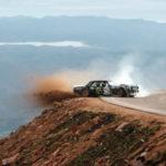Thót tim màn Drift xe trên đồi Pikes Peak của Ken Block với xe cổ