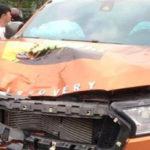 Ford Ranger nhái lô gô xe Discovery tông chết người rồi bỏ trốn