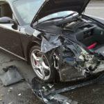 Người đàn ông mượn xe, lái Porsche 911 đâm nhiều xe khác