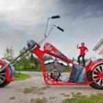 Xe máy khổng lồ nhất thế giới có thể đi được chứ không phải mô hình