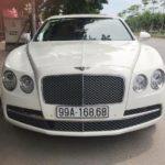 Xe siêu sang Bentley trắng tinh khôi biển đẹp Bắc Ninh
