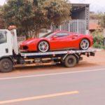Video Tuấn Hưng lái siêu xe Ferrari khiến bao người chú ý