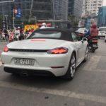 Hàng hiếm Porsche 718 Boxster mui trần trên phố Hà Nội