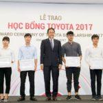Toyota trao tặng học bổng cho sinh viên Việt Nam