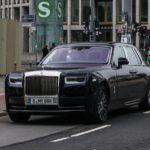 Choáng ngợp Rolls royce Phantom 2018 hoàn toàn mới trên phố